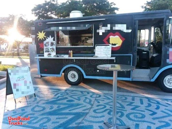 TURNKEY 20' Chevrolet Grumman Licensed Food Truck Mobile Kitchen.