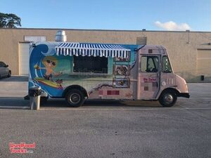 18' Chevrolet P30 Food Truck / Commercial Mobile Kitchen.