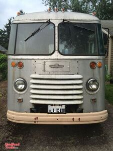 1960 - 18' Grumman Kurbside Vintage Food Truck with 2020 Kitchen Build-Out.