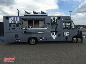 2000 Ford Utilimaster Food Truck / Commercial Mobile Kitchen.