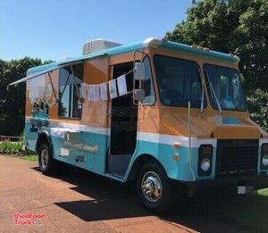 Chevrolet 21' P30 Step Van Food Truck / Commercial Mobile Kitchen.