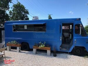 Amazing Chevy 26' Step Van Kitchen Food Truck / Used Mobile Kitchen.