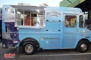 2005 Workhorse P30 Step Van Food Truck / Commercial Mobile Kitchen.