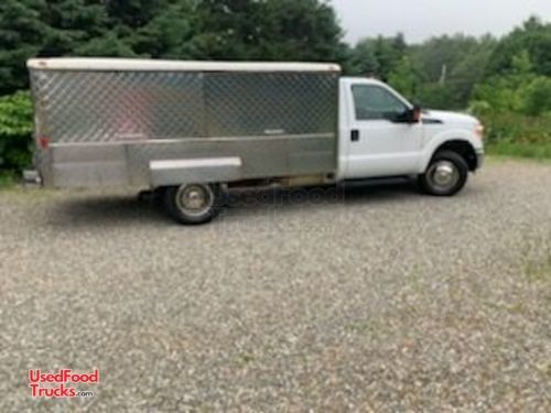 2016 26' F-350 Bostonian Body    '   Stretch   '    Canteen/Lunch Truck.
