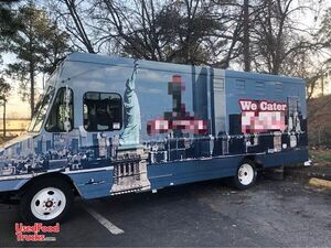 Eye-Catching Chevrolet P30 Mobile Kitchen / Ready for Business Food Truck.