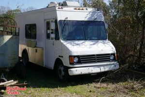 Inspected 2000 GMC P30 Step Van 25' Kitchen Food Truck for Completion.