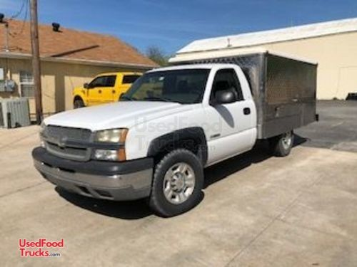 2003 Chevrolet 2500 Lunch Serving/Canteen Style Food Truck.