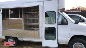 2006 Ford E350 Food Truck / Ready for Business Mobile Kitchen.