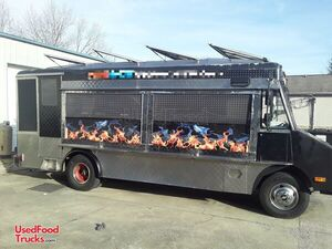 22' Chevrolet P30 Step Van Food Truck / Ready to Use Kitchen on Wheels.