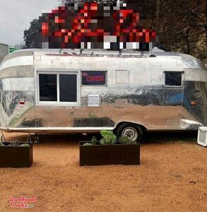 Fully Restored 1957 Vintage Airstream Coffee Trailer / Retro Mobile Cafe.