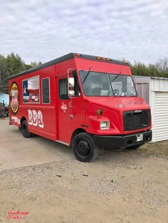 2000 Diesel Freightliner Box Truck Barbeque Food Truck/Used Mobile Barbecue Unit.