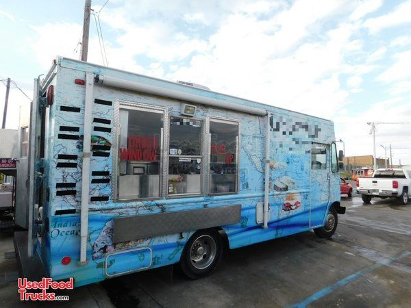 2006 Ford E350 24' Step Van Kitchen Food Truck with Pro Fire Suppression System.