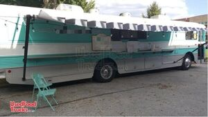 Amazing Loaded 40' Food Truck Mobile Kitchen Bustaurant Catering Bus is Missouri.
