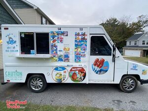 15' Dodge Aeromate Mobile Ice Cream Shop / Used Ice Cream Truck.