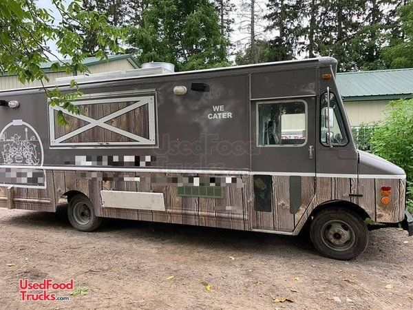 Turnkey Used 1996 Chevy P30 Step Van All-Purpose Food Truck.