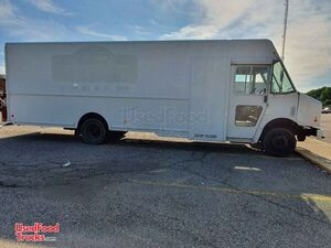 2011 Ford Workhorse Mobile Kitchen Food Truck Condition.