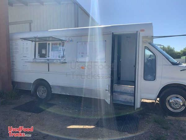 Ready to Roll 2006 GMC 23' Savana G3500 Short Bus Kitchen Food Truck.
