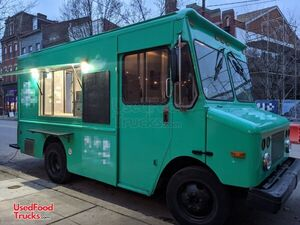2001 13' Workhorse P42 Mobile Kitchen / Diesel Food Truck with All New Kitchen Installed.
