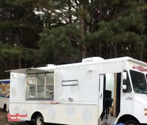 18' Chevrolet P30 Step Van Food Truck with Unused 2021 Kitchen Build-Out.