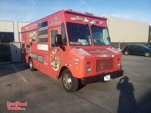 27' GMC P30 Step Van Food Truck / Used Commercial Mobile Kitchen.
