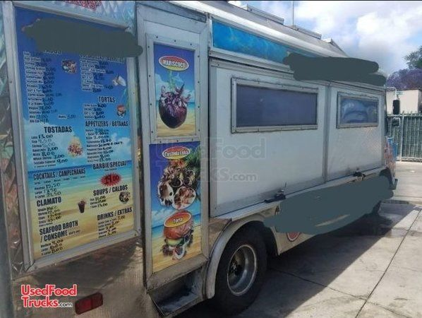 Chevrolet P30 Used Barbecue Food Truck / Used Step Van Barbecue Rig.