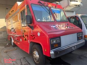 2006 Workhorse Mobile Kitchen Food Truck with Pro Fire Suppression.