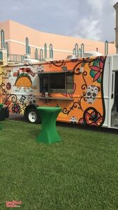 2013 32' Ford Stepside Mobile Kitchen Food Truck / Turnkey Business.