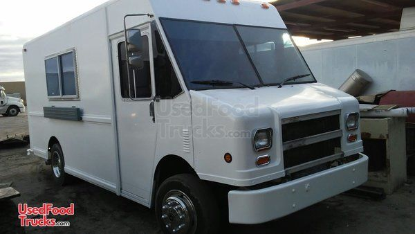 Freightliner MT16FD Step Van Kitchen Food Truck / Used Mobile Kitchen.