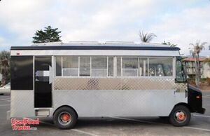 22' Chevy Curbmaster Mobile Kitchen Food Truck- Low Miles.