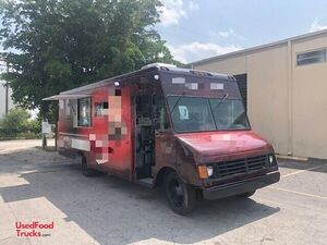Chevrolet Workhorse 28' Lightly Used Commercial Mobile Kitchen Food Truck.