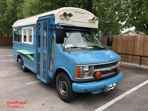 2000 22' Chevrolet Express 3500 Short Bus Food Truck- Low Miles.