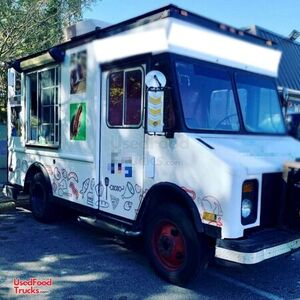 22' Chevrolet P30 Diesel Food Truck / Used Mobile Kitchen.
