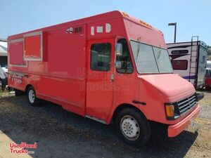 2006 - 26' GM Mobile Kitchen Food Truck | Solid Rolling Kitchen.