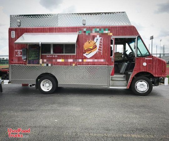 2001 Freightliner MT45 20' Stepvan Kitchen Food Truck / Used Mobile Food Unit.