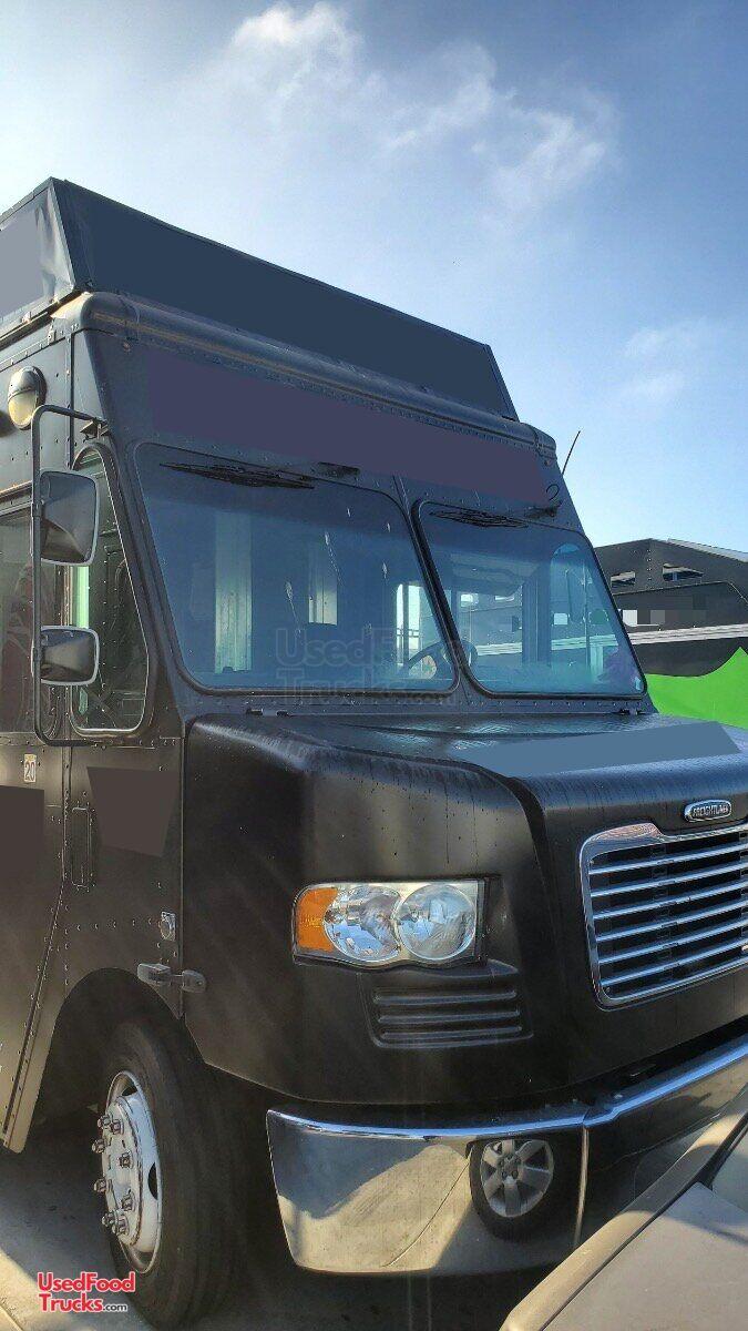 2015 30 Freightliner Mt 45 Diesel Food Truck