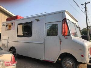 Ready to Make Money Mobile Kitchen / Ready to Use Step Van Food Truck.