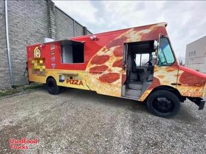 2002 - 24' Freightliner MT-55 Diesel Food Truck with Brand New Kitchen.