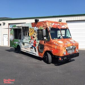 2009 - 34' Workhorse Diesel Brick-Oven Pizza Truck / Mobile Pizzeria.