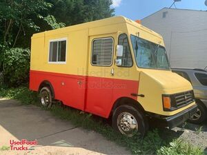 2004 Workhorse Food Truck with a New Unused 2020 Kitchen Build-Out.