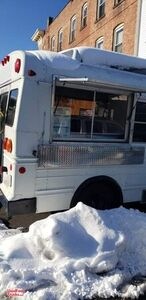 2005 24' Ford E350 Diesel Food Truck / Ready to Go Mobile Kitchen.