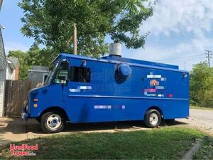 GMC P30 Step Van Food Truck / Used Mobile Kitchen Condition.