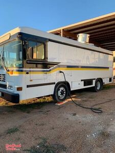 2002 Blue Bird Diesel Bustaurant Food Truck / Professional Mobile Kitchen.