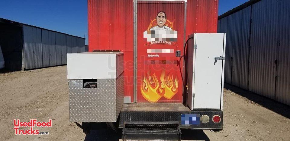 Mildly Used 2005 Workhorse 26 P42 Step Van Food Truck
