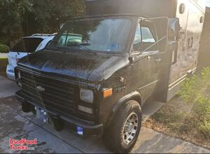 10' Chevrolet G30 Diesel Beverage Truck / Remodeled Mobile Drinks Unit.