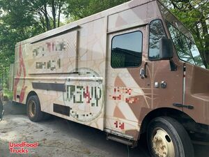 29' Freightliner MTD45 Wood-Fired Pizza Truck / Pizzeria on Wheels.