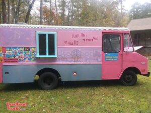 Used GMC 19' P30 Ice Cream / Empty Food or Beverage / Retail Truck.