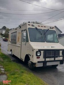 Diesel 27' Chevrolet Step Van Mobile Kitchen Food Truck-Works Great.