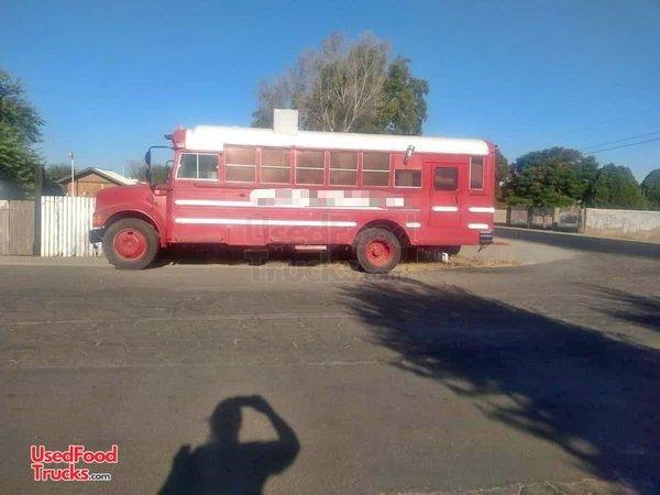 International 3700 Diesel Bus Kitchen Food Truck Great