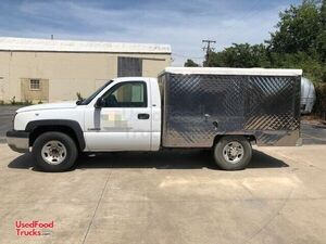 2003 Chevrolet 2500 19' Lunch Serving/Canteen-Style Food Truck.