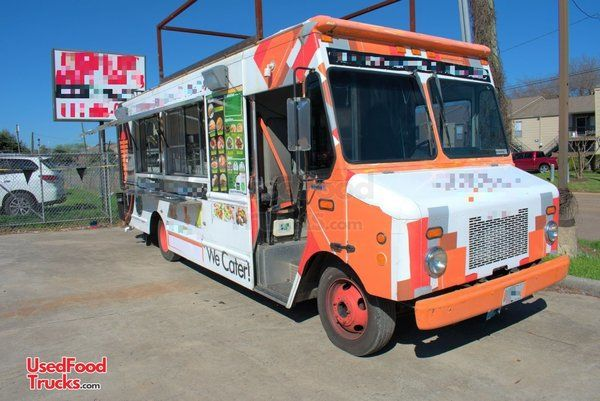 2004 Workhorse P4500 24' Stepvan Catering Truck and Kitchen Food Truck.